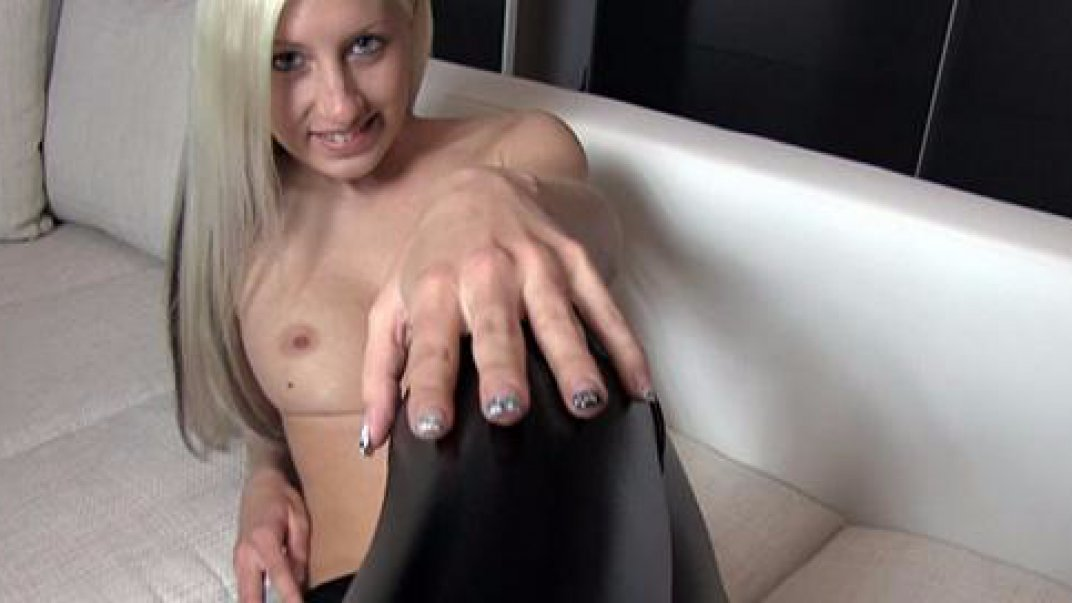 Creampie pussy in tight shiny leggings! PussyToMouth!